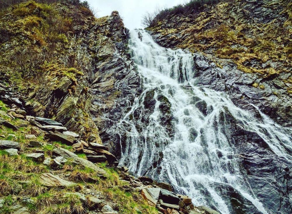 Top 10 cascade spectaculoase ,din Romania