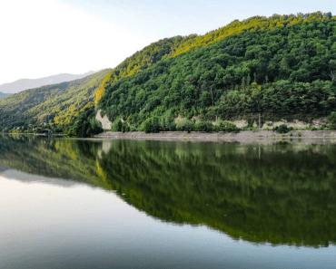 Descopera 10 atractii turistice si unitati de cazare din judetul Vâlcea