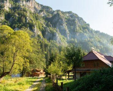10 pensiuni din România,recomandate ca  destinații de weekend